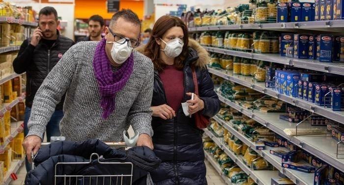 Без побутової хімії, одягу та лампочок: на час локдауну планують заборонити  продаж низки товарів | Новини