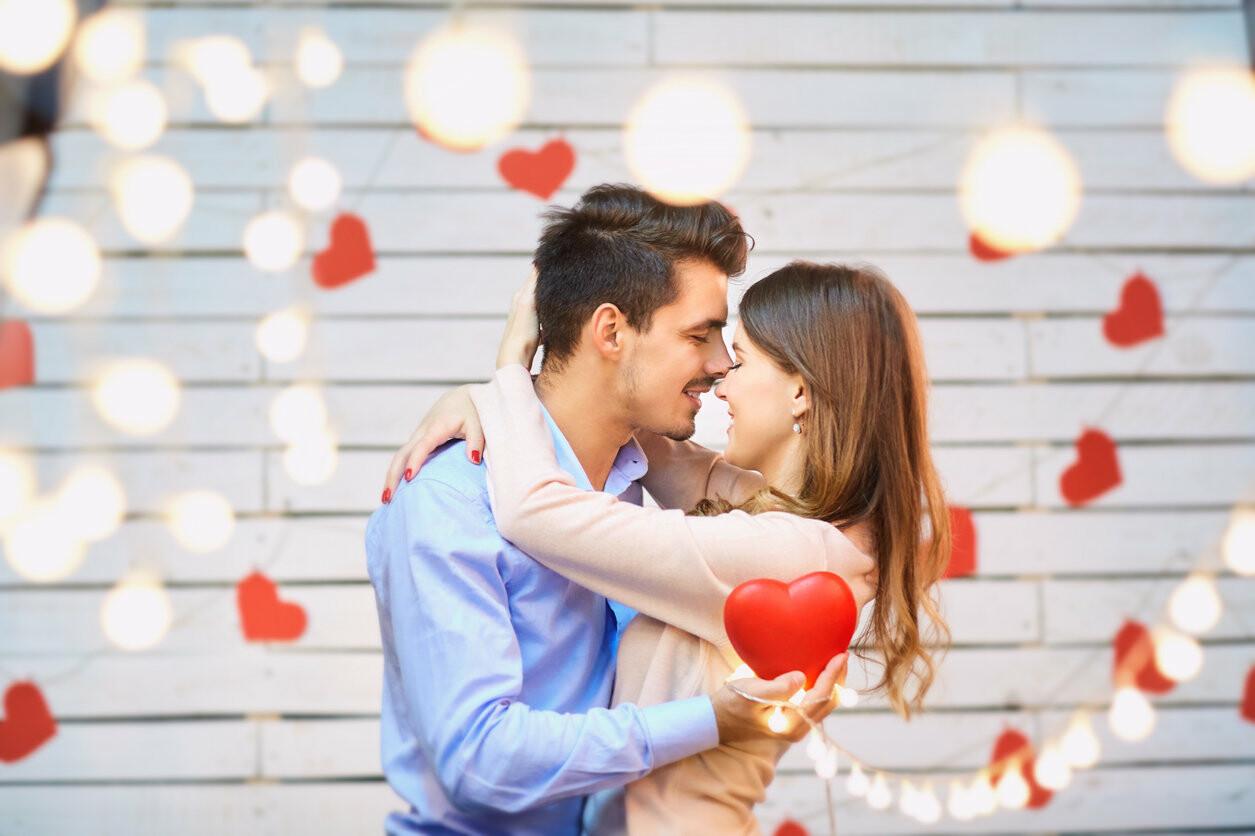 Картинки с днем влюбленных молодой паре